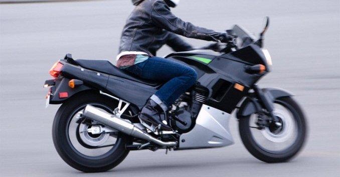Seguros de moto para adolescentes