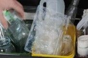 Aceite de cocina y medicamentos: los residuos que menos se separan en casa