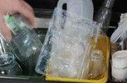 Aceite de cociña e medicamentos: os residuos que menos se separan na casa