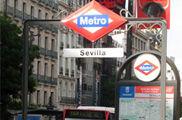 Metro y tranvía: cumplen con su frecuencia y ofrecen un buen servicio de información