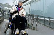 Las ciudades avanzan en accesibilidad para discapacitados físicos pero olvidan a ciegos y sordos
