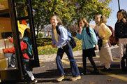 Sigue habiendo deficiencias, pero mejora la seguridad de los buses escolares