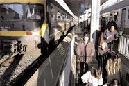 Tren geltokiak autobusenak baino hobeki