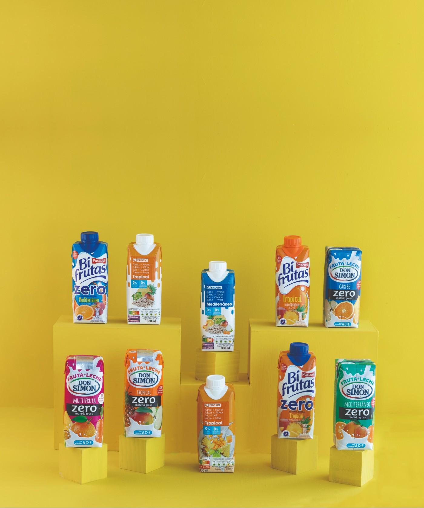 Estas bebidas destacan la presencia de ingredientes que realmente se encuentran en pequeñas proporciones. Tampoco son la opción más saludable para los más pequeños.